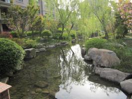 西房·云溪香山位于融科瑷骊山东北方