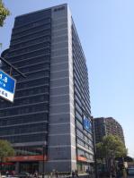 世贸丽晶城·欧美中心位于沈塘新村西南方