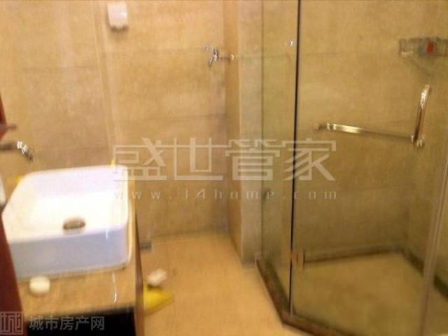 81 本房源估价 租金:5,108元/月 小区:万科·金色城品 位置:上城区
