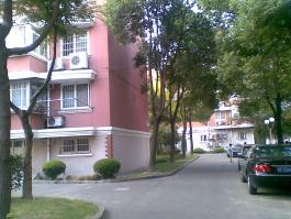 鹤北一街坊