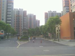南馨佳苑位于安阁苑东南方