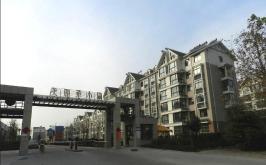 美丽华小区位于盛世香榭里东北方